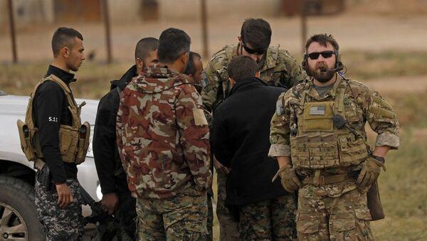 ABD askerleri Türkiye-Suriye sınırında - Sputnik Türkiye