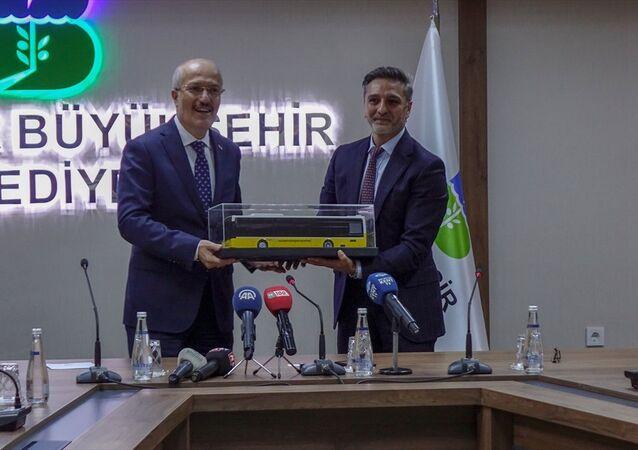 TEMSA Ulaşım Araçları Genel Müdürü Hasan Yıldırım - Balıkesir Büyükşehir Belediye Başkanı Zekai Kafaoğlu