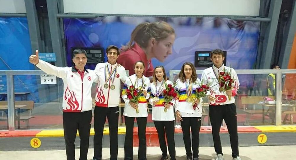 Dünya Bocce Volo Şampiyonası'na katılan Bursa Uludağ Üniversitesi (BUÜ) Spor Bilimleri Fakültesi Beden Eğitimi ve Spor Öğretmenliği Bölümü öğrencileri