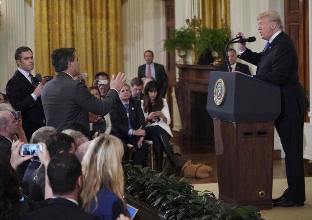 ABD Başkanı Donald Trump ve CNN'in Beyaz Saray muhabiri Jim Acosta