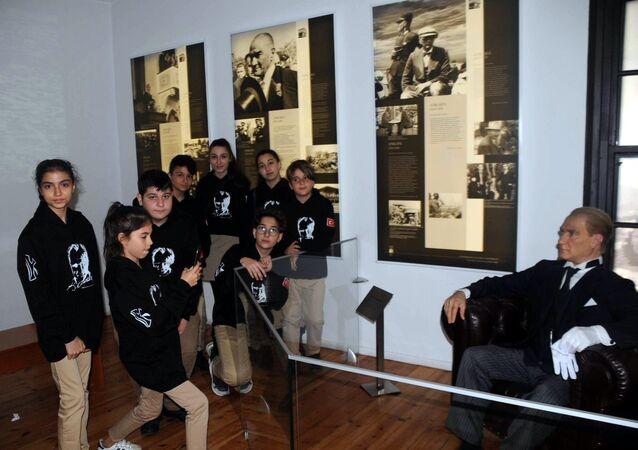 Ölümünün 80'inci yılında Selanik'teki Atatürk Evi'nde binlerce kişi toplandı