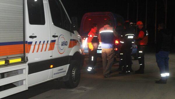 Balıkesir'in Ayvalık ilçesi yakınlarında uçak düştüğü yönünde sosyal medya paylaşımları üzerine başlatılan arama ve kurtarma çalışmaları devam etti. - Sputnik Türkiye