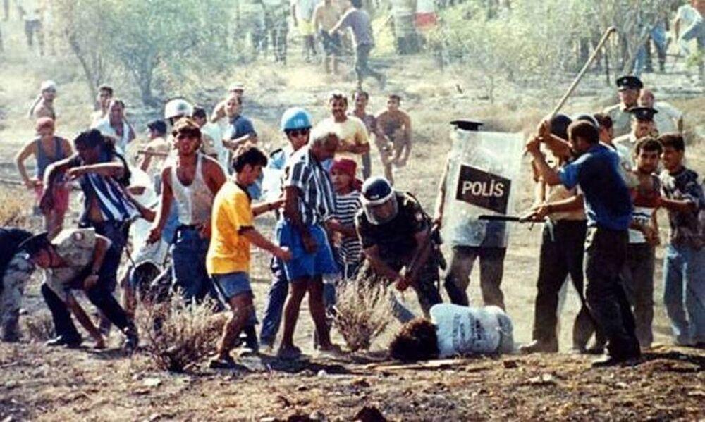 1996'da sınırı geçmeye çalışan Tasos Isak adındaki Rum da arbedede ölmüştü.