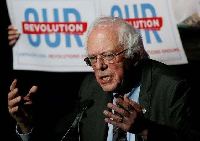Bernie Sanders 6 Kasım 2018 ara seçimleri için 'Bizim Devrimimiz' sloganıyla kampanya yürüttü.