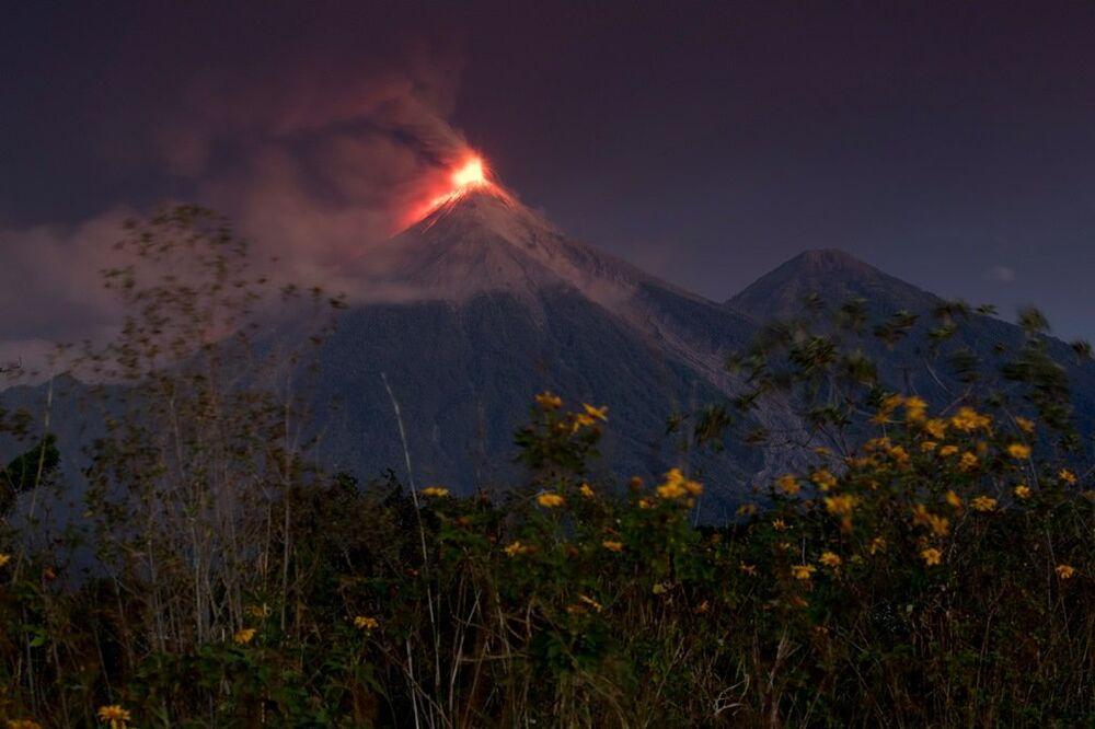 Guatemala'da Fuego Yanardağı