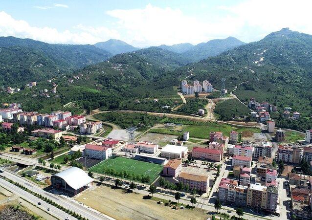 Otel ve alışveriş merkezi yapılmak üzere Arap yatırımcıya satılan Trabzon'un Beşikdüzü ilçesinde Şehit Üstteğmen Erdal Kurtoğlu Parkı
