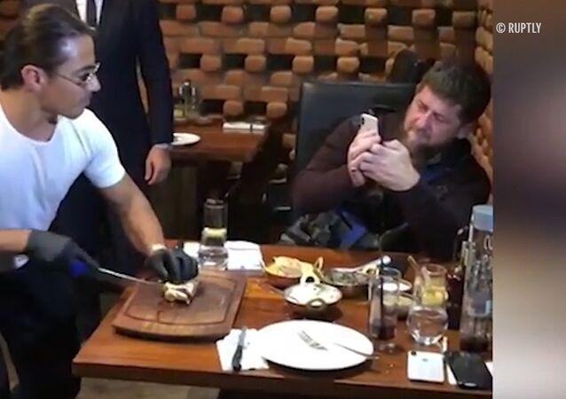 Nusret, bu sefer de Çeçen lider Kadirov'un etini tuzladı