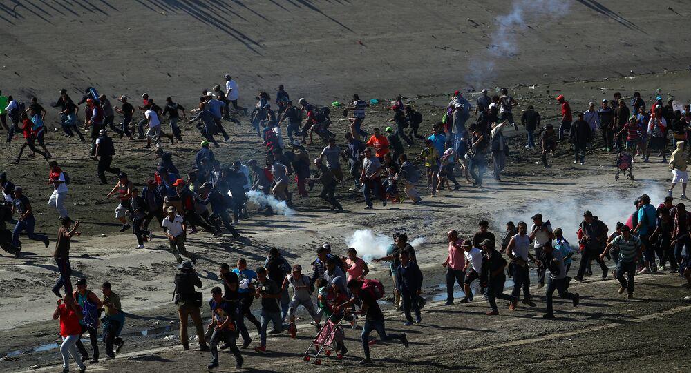 ABD sınırını geçmeye çalışan göçmenler