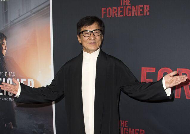 Jackie Chan'in kızı Kanadalı kız arkadaşıyla evlendi - Jackie Chan