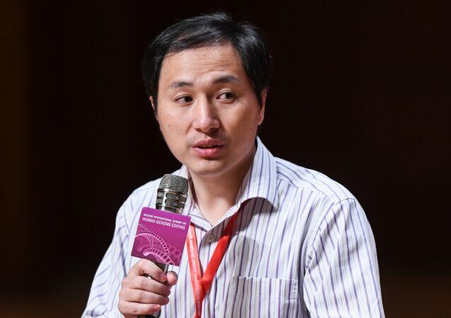 Gen değiştirme işlemi  yapan Çinli bilim insanı çalışmasını anlattı - He Jiankui