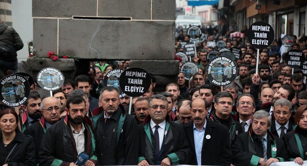 Diyarbakır Baro Başkanı Tahir Elçi'nin vurulduğu yerde anıldı
