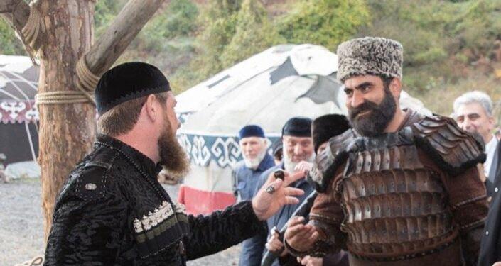 """Çeçenistan lideri Ramzan Kadirov, İstanbul ziyareti sırasında """"Diriliş Ertuğrul"""" dizisinin setini ziyaret etti"""