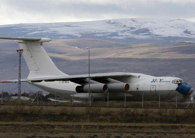 Van'da 7 yıl önce meydana gelen depremde yardım malzemesi getiren SKY Georgia Airlines firmasına ait uçak