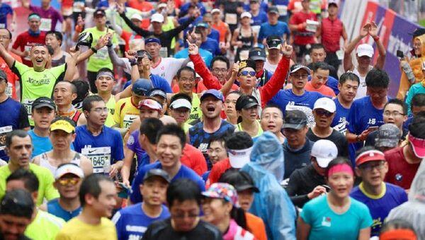Çin'in Şenzen kentinde düzenlenen yarı maraton - Sputnik Türkiye