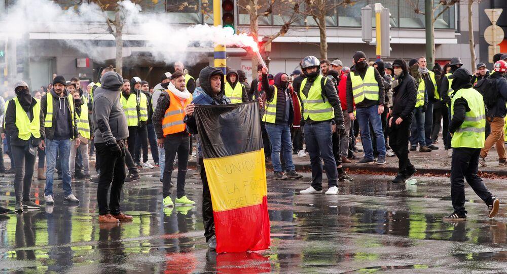 'Sarı yelekliler'in protestosu Brüksel'e sıçradı
