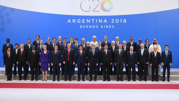 G20 leaders pose for a family photo during the G20 summit in Buenos Aires, Argentina November 30, 2018. - Sputnik Türkiye