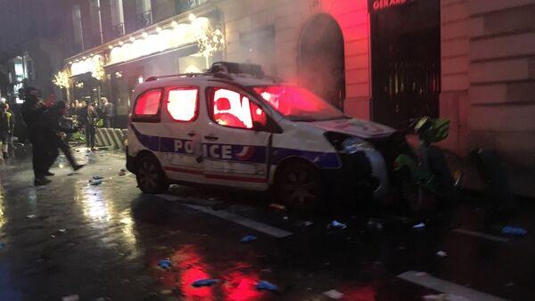 Yellow vests protests in Paris, December 1, 2018. - Sputnik Türkiye