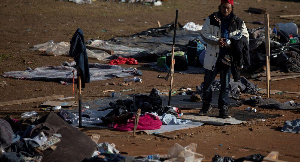 Orta Amerika ülkelerinden ABD'ye ilerleyen göçmen konvoyu
