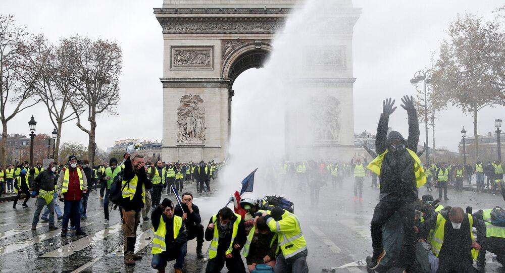 Fransa, Paris, Zafer Takı, Sarı Yelekler