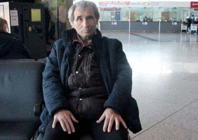 Atatürk Havalimanı'nda 27 yıldır yaşamını sürdüren Bayram Tepeli