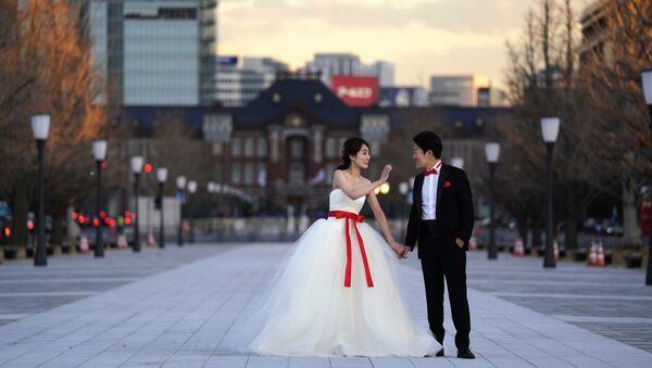 Çin yönetiminden 'pahalı düğün hediyeleri ve başlık parası' uyarısı - Sputnik Türkiye
