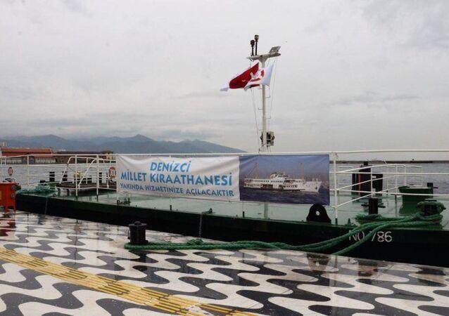 Zübeyde Hanım Eğitim ve Müze Gemisi