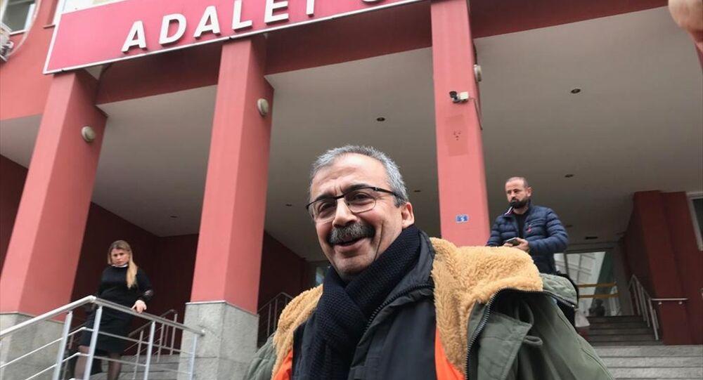 Sırrı Süreyya Önder, Ne sarf ettiysek, arkasındayız. Barış ve demokrasi kazanacak dedi.