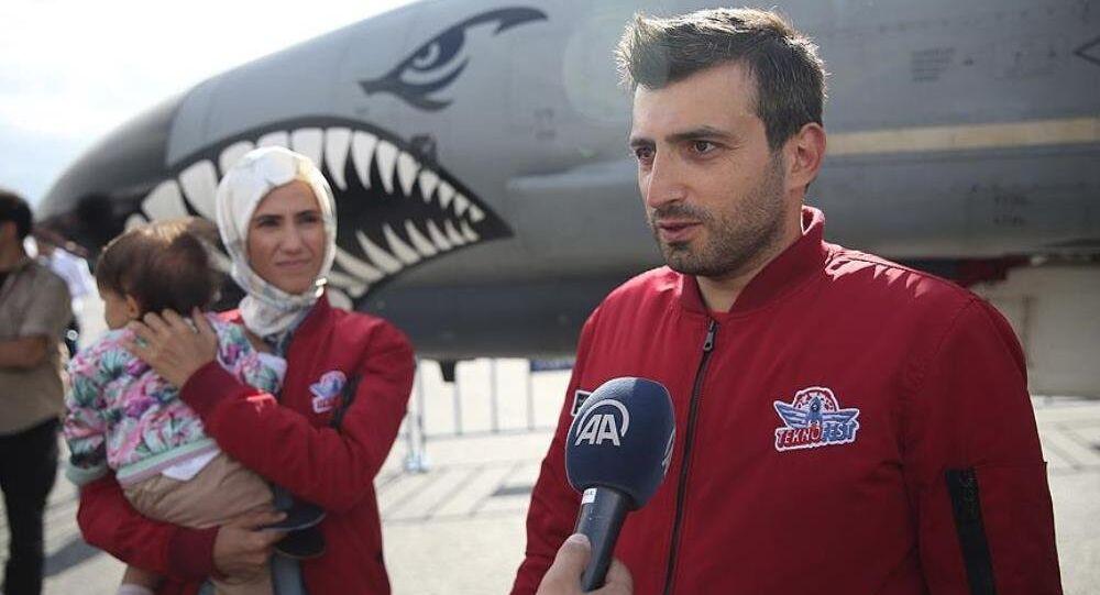 Selçuk Bayraktar: Yerli İHA'ları engellemek için uçuşları yasakladılar, genel müdürümüzü tutuklatmaya kalktılar - Sputnik Türkiye