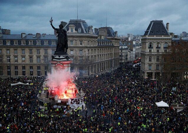 Fransa, Paris, Sarı Yelekler, protesto