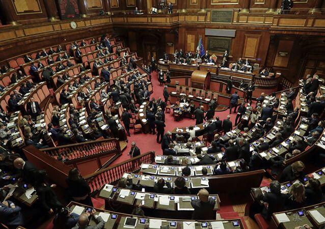 İtalya'yı karıştıran olay: Parlamentoda seks skandalı - İtalya parlamento