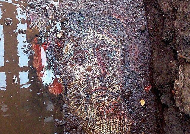 Bursa!da bulunan Roma dönemine ait mozaik