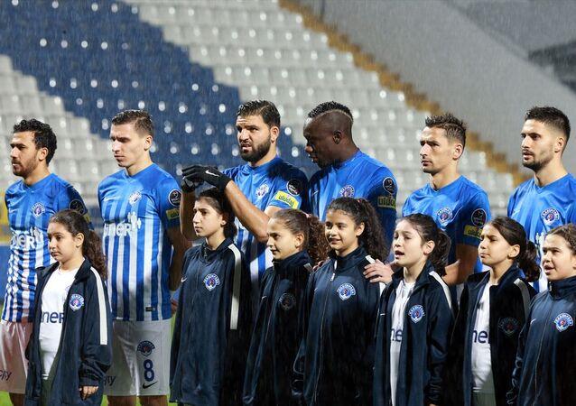 Kasımpaşa, tüm futbolcularıyla 2021 yılına kadar sözleşme yeniledi