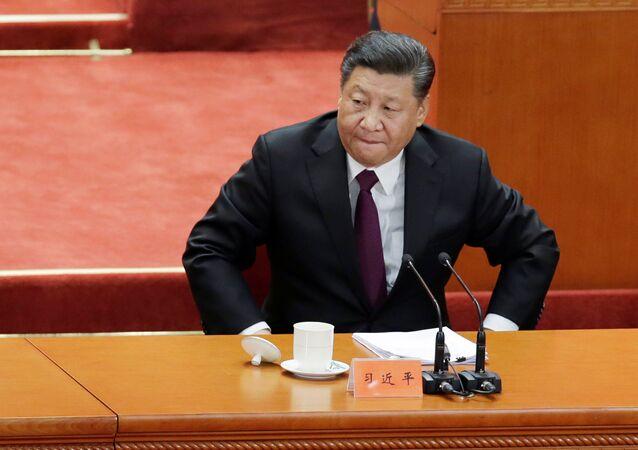 Şi Cinping, Çin Komünist Partisi'nin (ÇKP) reform ve açılım politikasına başlamasının 40. yıldönümünde Ulusal Halk Kongresi'ne evsahipliği yapan Büyük Halk Salonu'nda düzenlenen törende konuştu.
