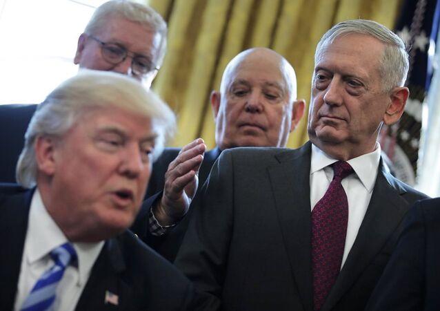 ABD Başkanı Donald Trump ve Savunma Bakanı James Mattis