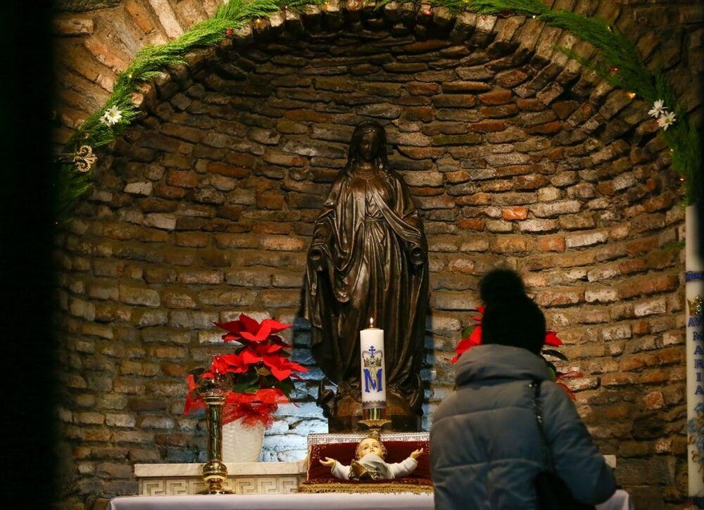 İzmir'in Selçuk ilçesindeki Meryem Ana Evi'nde Noel ayini