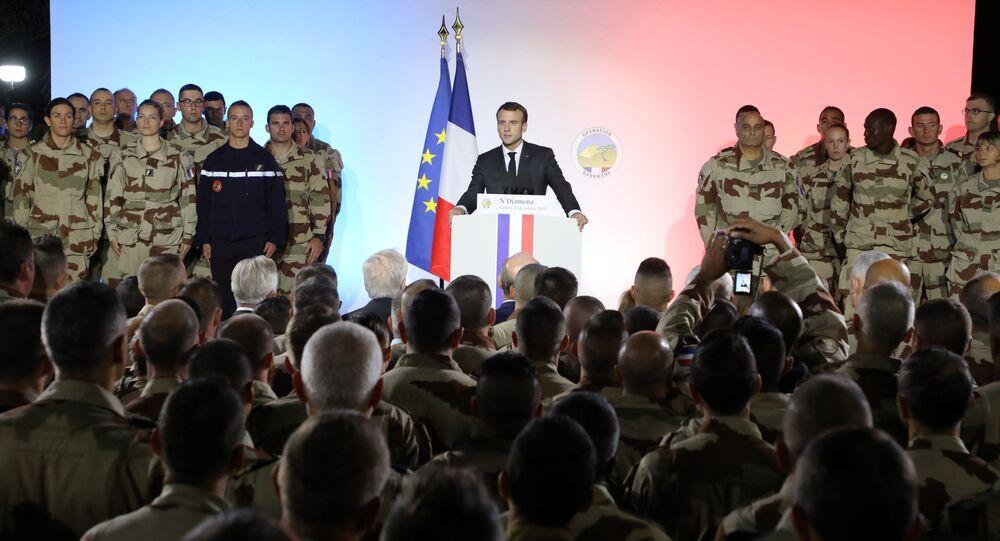 Fransa Cumhurbaşkanı Emmanuel Macron Çad'da