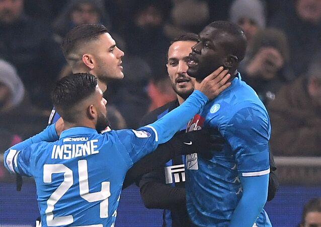 İnter ile Napoli arasında San Siro Stadı'nda oynanan ve Napoli'de forma giyen Koulibaly'ye yönelik ırkçı tezahüratlarla gündeme gelen maç