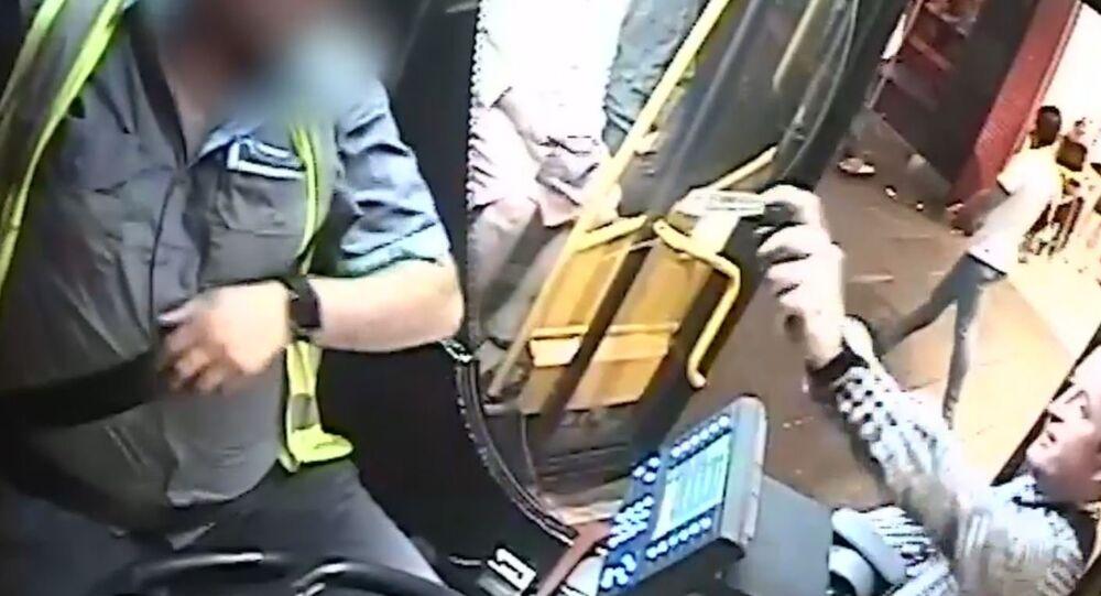 Otobüse alınmayan yolcu, şoföre biber gazı sıktı