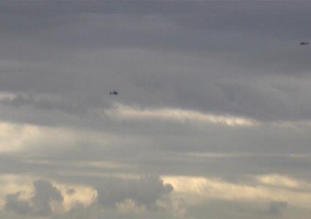 ABD helikopterleri Menbiç üzerinde alçak uçuş yaptı