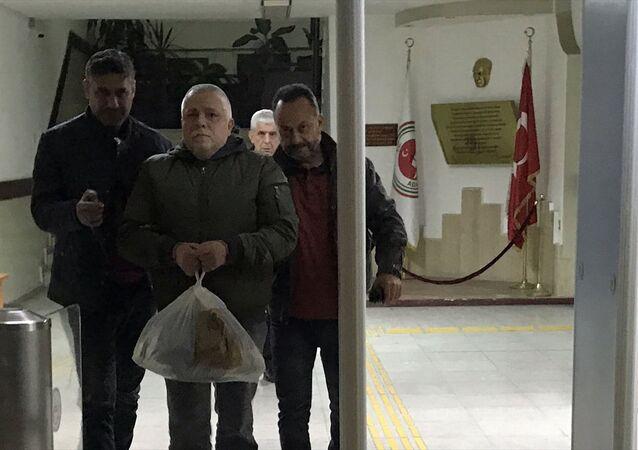 Aydın'da ev sahibiyle kiracı arasında çıkan bıçaklı kavgada bir kişi hayatını kaybetti.