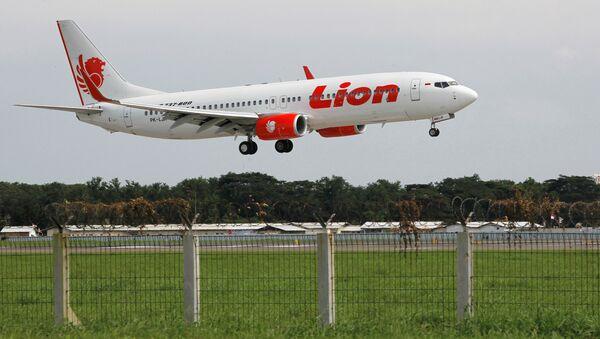 Lion Air havayollarına bağlı Boeing 737 tipi yolcu uçağı - Sputnik Türkiye