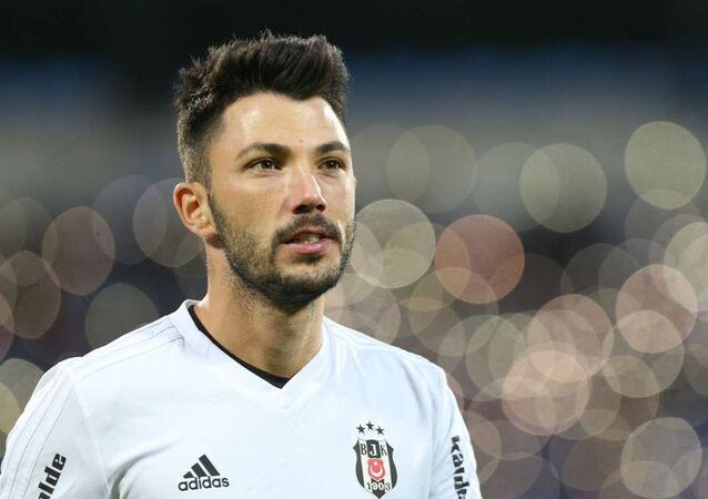 Beşiktaş'lı oyuncu Tolgay Arslan