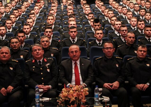 Çavuşoğlu, Jandarma ve Sahil Güvenlik Akademisi Başkanlığının düzenlediği konferansta katılımcılara hitap etti.