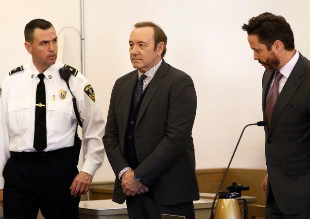 Kevin Spacey 'cinsel taciz' suçlamasıyla mahkemeye çıktı