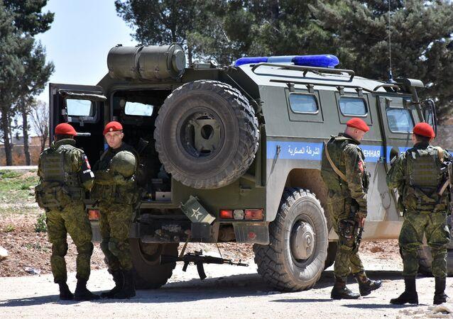 Suriye'nin Menbiç kentinde görev yapan Rus Askeri Polisi