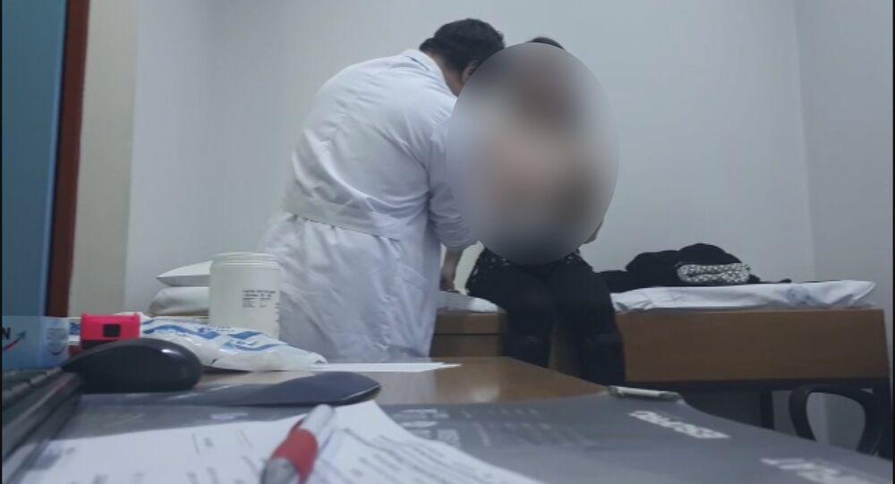 Kadın hastalarının muayene görüntülerini paylaşan doktor serbest bırakıldı - İzmir