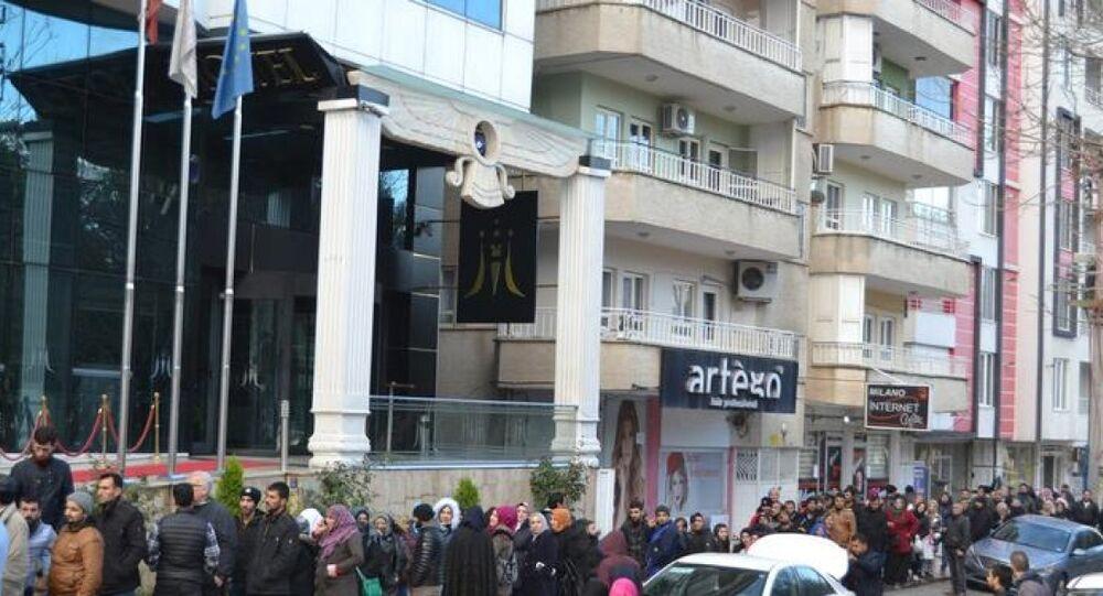 Batman'da Suriyeli sığınmacılardan Avrupa kuyruğu