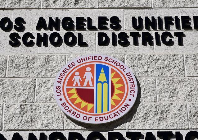 ABD'nin Kaliforniya eyaletine bağlı Los Angeles'ta yaklaşık 30 bin öğretmeni temsil eden Birleşik Öğretmenler Sendikası
