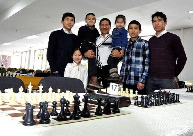 Kırgızistan'daki Taştekeyev ailesi