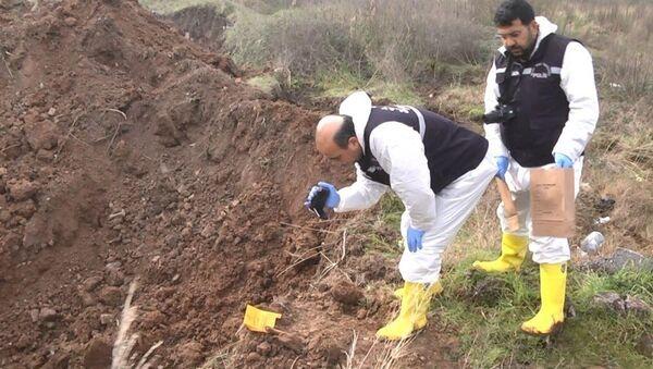 'Palu ailesi' olayı kapsamında yapılan kazı çalışmalarında bir kemik bulundu - Sputnik Türkiye